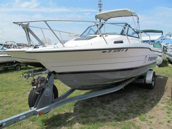 1994 Bayliner 20 WALKAROUND TROPHY