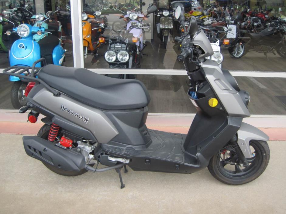 2015 Genuine Scooters Hooligan 170i