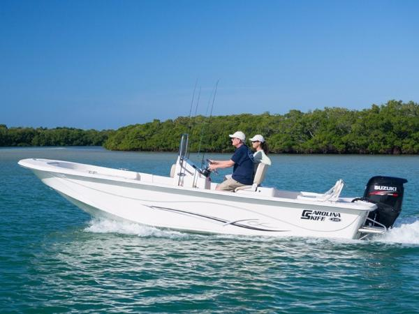2016 Carolina Skiff DLV Series 178