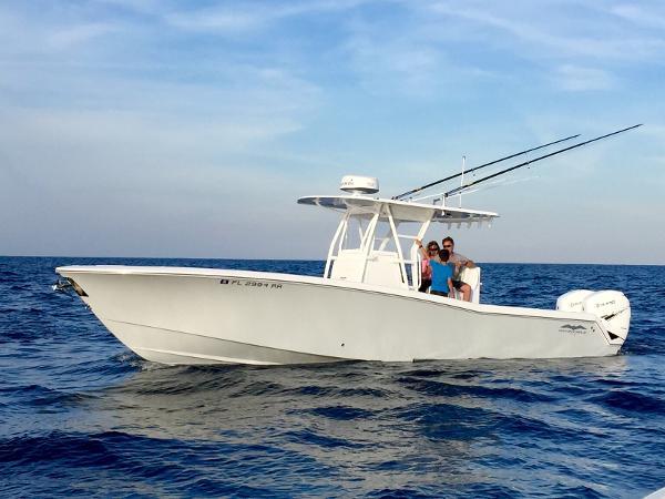 2016 INVINCIBLE 33 Open Fisherman
