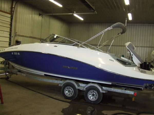 2012 Sea-Doo Sport Boats Challenger 230
