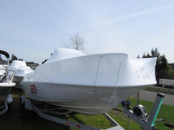 2017 Boston Whaler 210 Dauntless