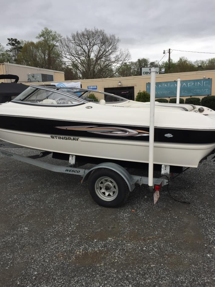2010 Stingray Boats 195LX