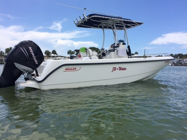 2006 Boston Whaler 21 Outrage