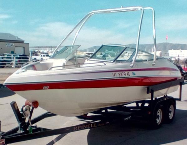 2004 Reinell 200 LSE