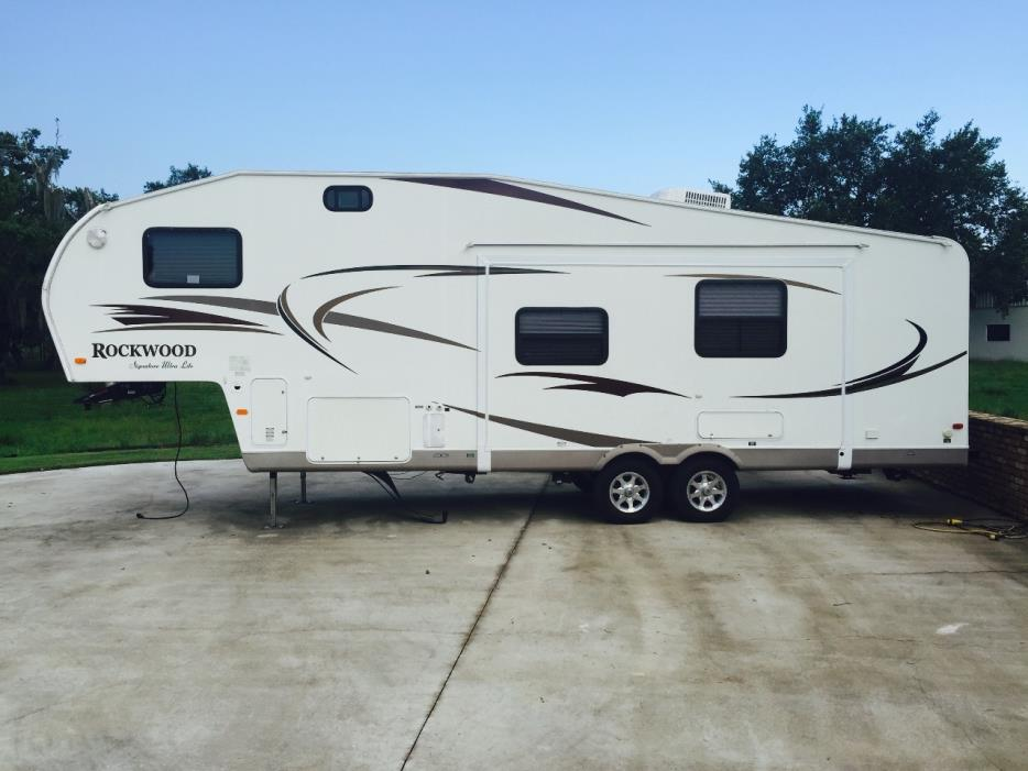 2010 Forest River ROCKWOOD SIGNATURE ULTRA 8281SS