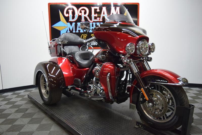 2012 Harley-Davidson FLHTCUTG - Tri Glide Ultra Classic Trike *Manager's Spe