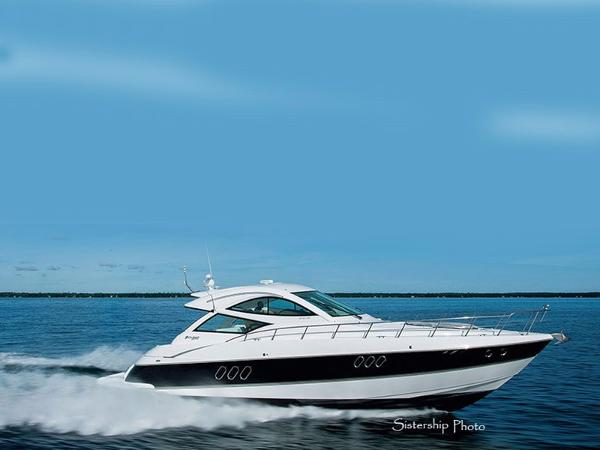 2009 Cruisers Yachts Sport Coupe