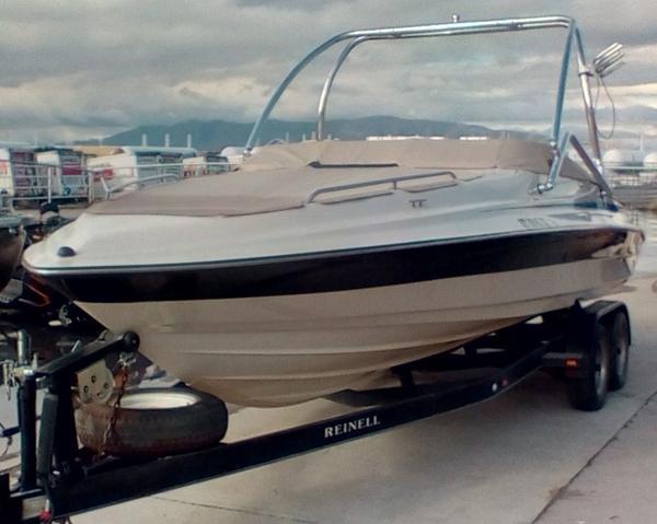 2001 Reinell 240 BR