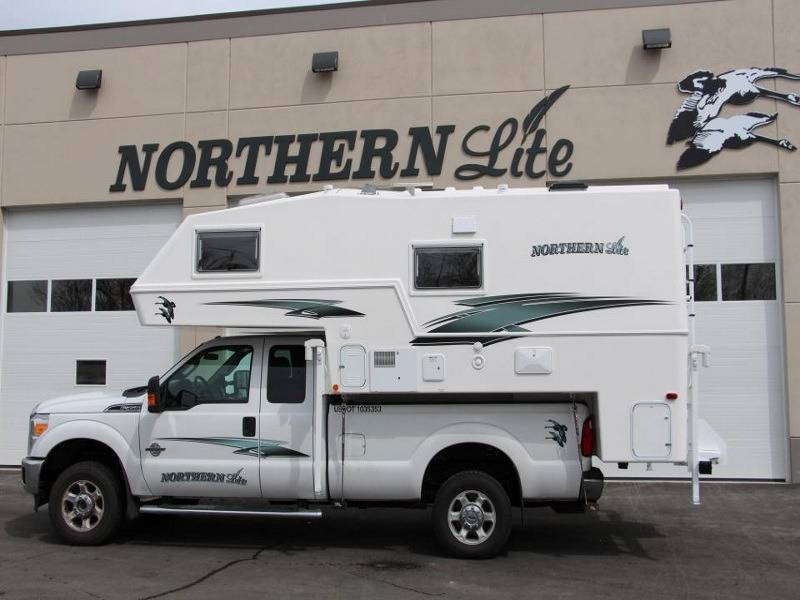 2017 Northern Lite Ten 2000 Series Campers 10'2