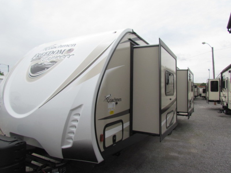 2018 Coachmen Freedom Express Liberty 293RLDSLE