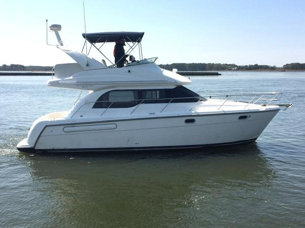 2002 Bayliner 3488 Command Bridge Motoryacht