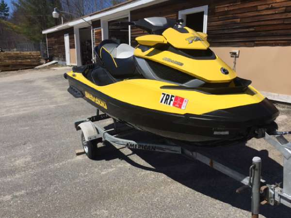 2011 Sea-Doo RXT iS 260