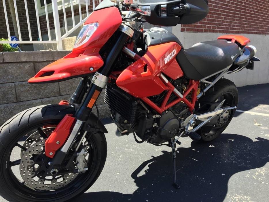 2010 Ducati HYPERMOTARD 1100 S