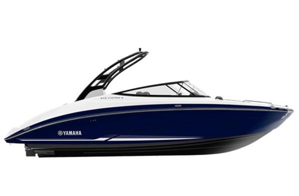 2017 Yamaha Sport Boat 242 LTD S