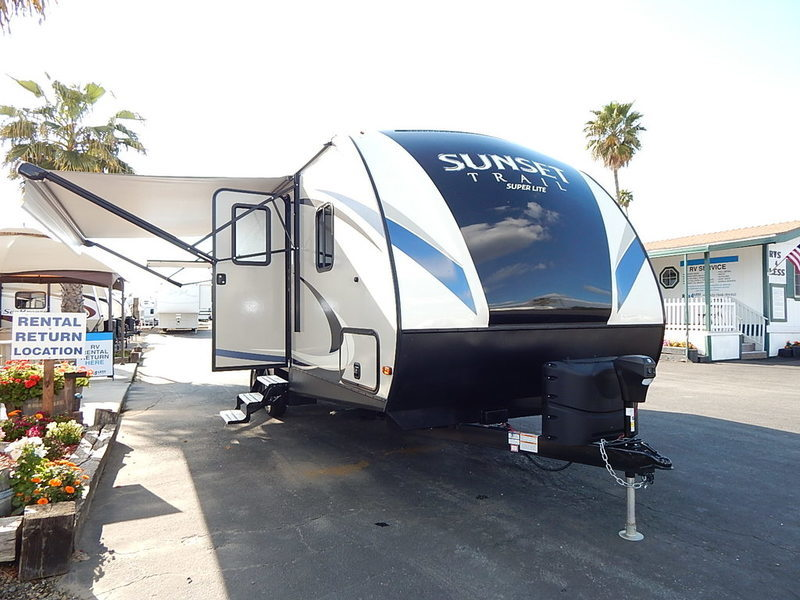 2017 Crossroads Rv Sunset Trail Super Lite SS222RB