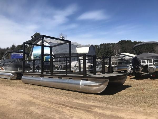 2017 Lake Lounger 22' toon dock