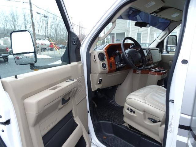 2011 Ford E450, 9