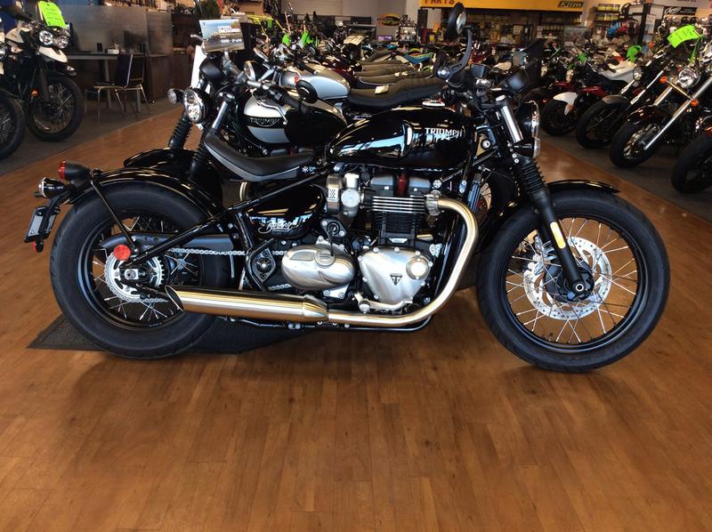 2017 Triumph Bonneville Bobber Jet Black