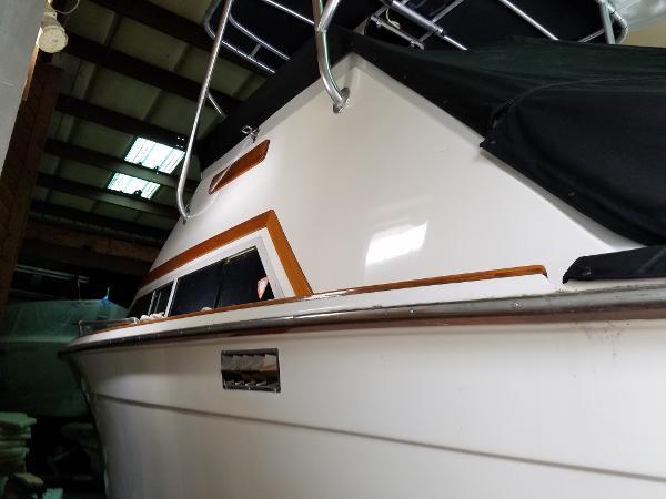 Trojan 30 Flybridge Boats for saleSmartMarineGuide.com