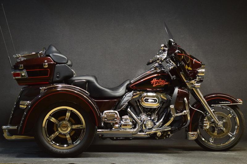 2010 Harley-Davidson FLHTCUTG - Tri Glide Ultra Classic