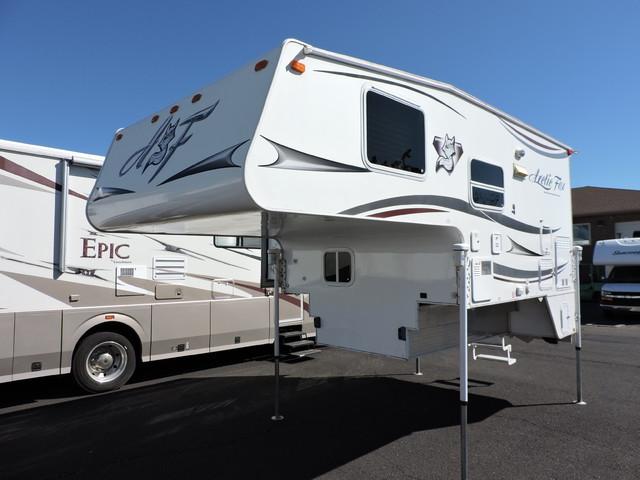 2013 Arctic Fox 811 Camper