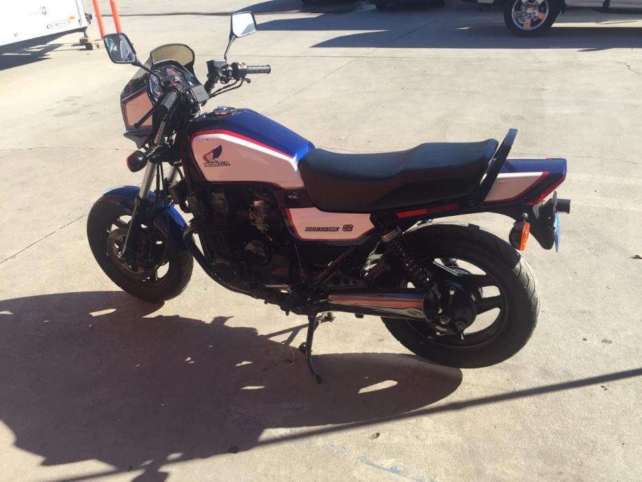 1986 Honda CB 700SC NIGHTHAWK