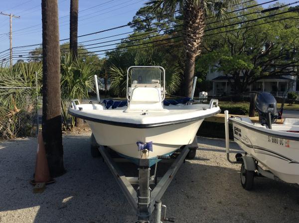 2004 Carolina Skiff Sea Chaser 1950