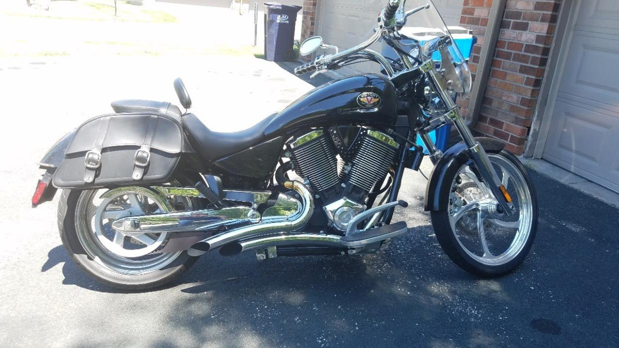 victory vegas 8ball motorcycles for sale in minnesota. Black Bedroom Furniture Sets. Home Design Ideas