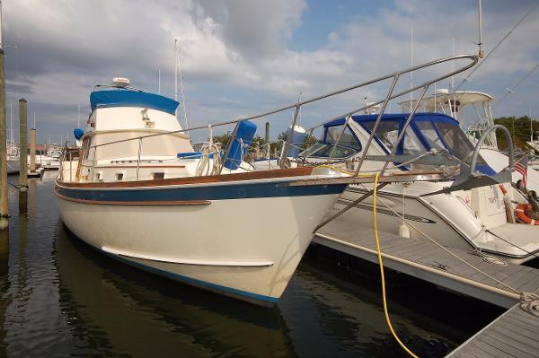 1975 Gulfstar 43 MKII Trawler