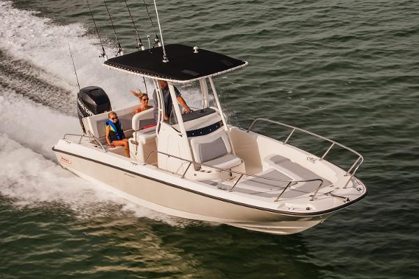 2017 Boston Whaler 240 Dauntless