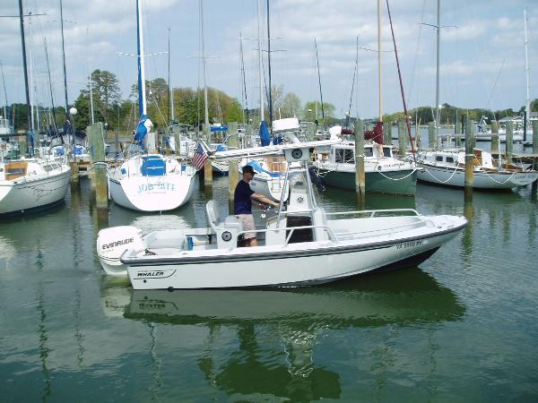 1996 Boston Whaler Justice 19