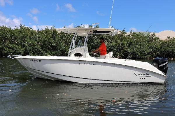 2008 Boston Whaler 240 Outrage
