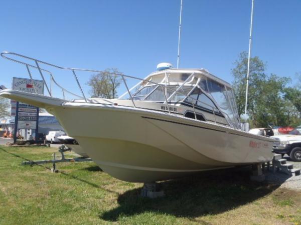 1988 Boston Whaler Whaler 27