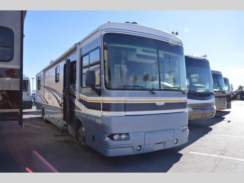 2005 Fleetwood Rv Bounder 39Z