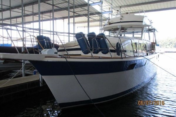 1983 Chris Craft 410 Motor Yacht