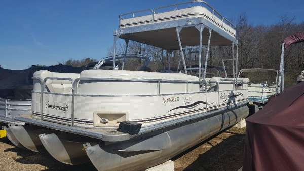 2003 Smoker Craft 8526 Paradise