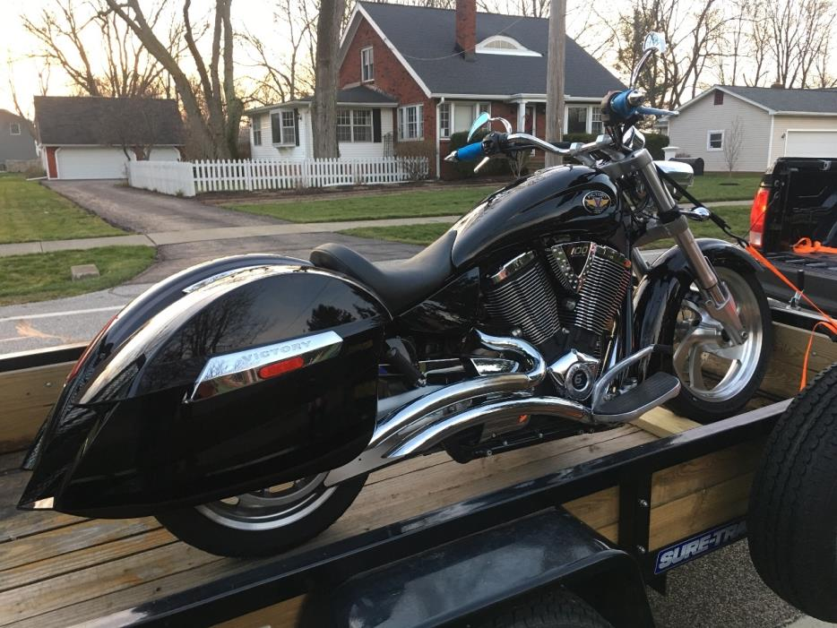 2009 Victory KINGPIN DELUXE