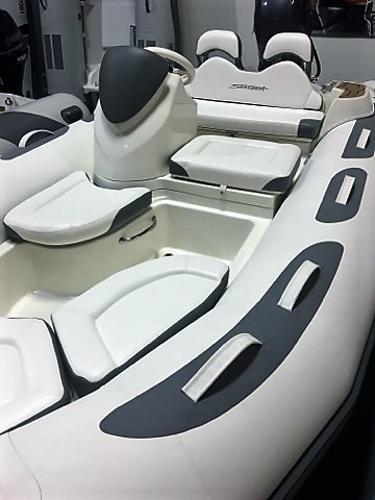 2017 Avon Seasport 440 DLX
