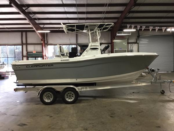 2017 Clearwater 2200 CC (Platinum Gray)
