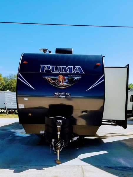 2018 Palomino Puma Travel Trailers 32-RBFQ