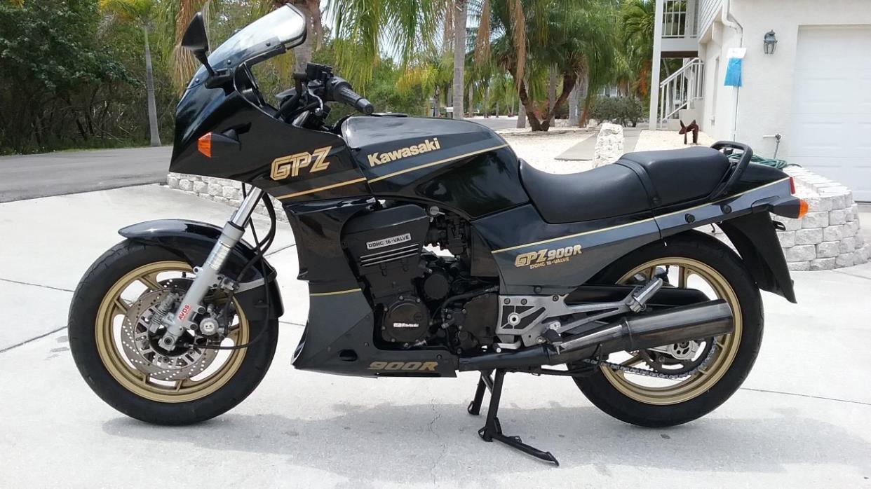 1989 Kawasaki GPZ 900