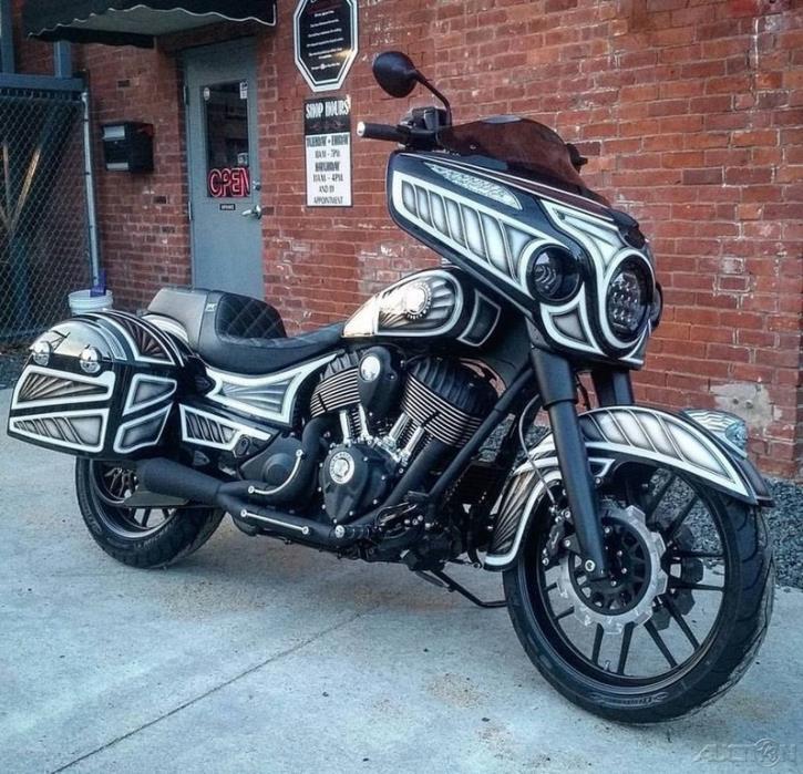 2017 Indian Custom Indian Dark Horse Chieftain