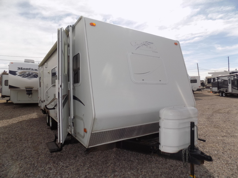 2004 R Vision Trail Bay 27 DS