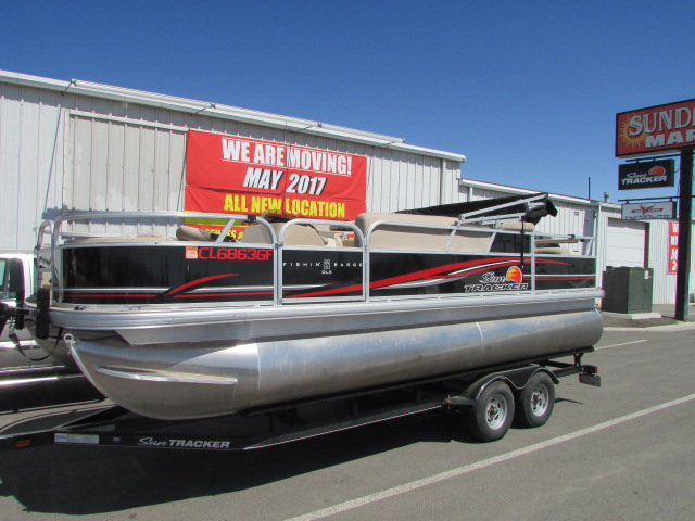 2014 Sun Tracker Fishing Barge 22