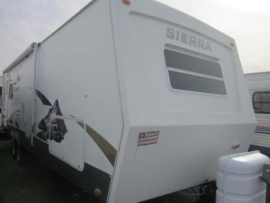 2008 Forest River Sierra 331RLD