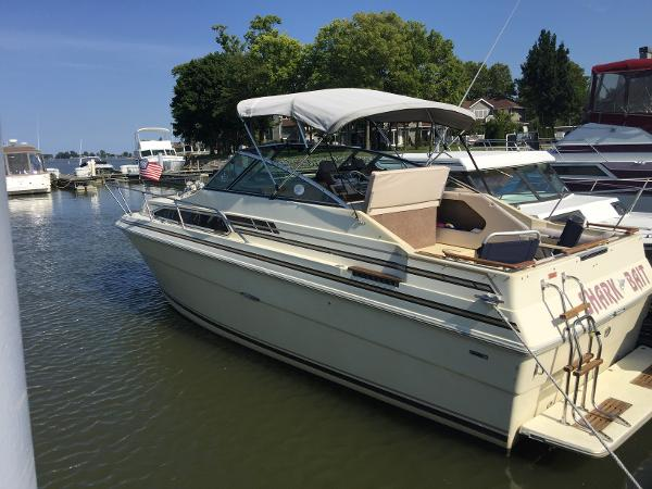 1983 Sea Ray 260 SRV Sundancer
