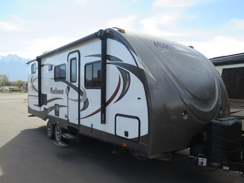 2015 Cruiser Rv Radiance R-24BHDS