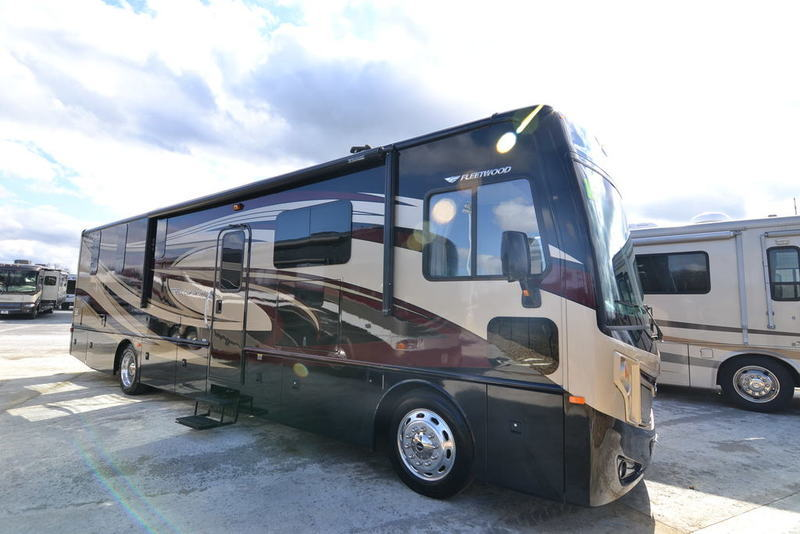 2015 Fleetwood Excursion 35E