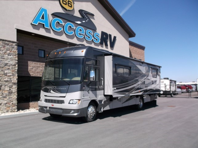2011 Winnebago Adevnturer 35P